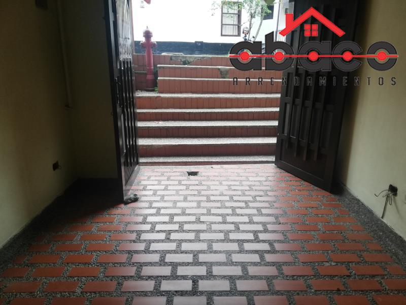 Local disponible para Arriendo en Envigado con un valor de $700,000 código 8374