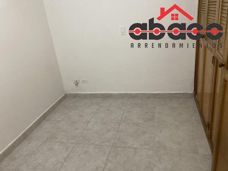 Casa-Local disponible para Arriendo en Envigado con un valor de $2,800,000 código 9496